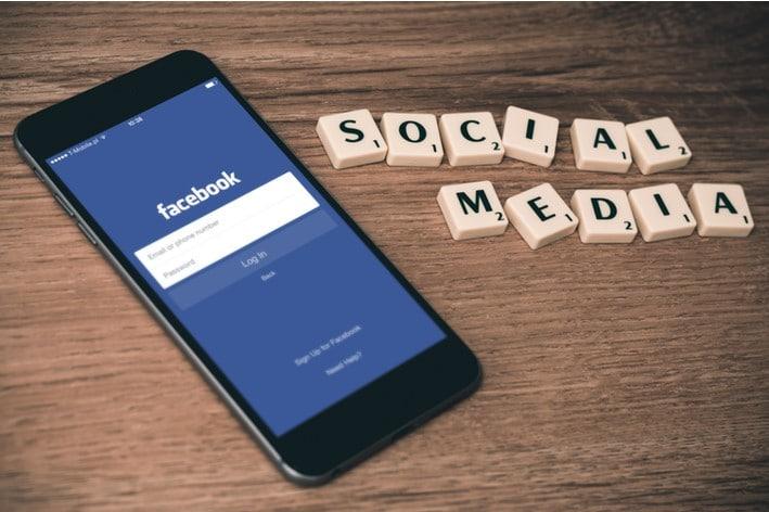 Redes sociais podem ser usadas para amplificar o alcance de sua promoção.