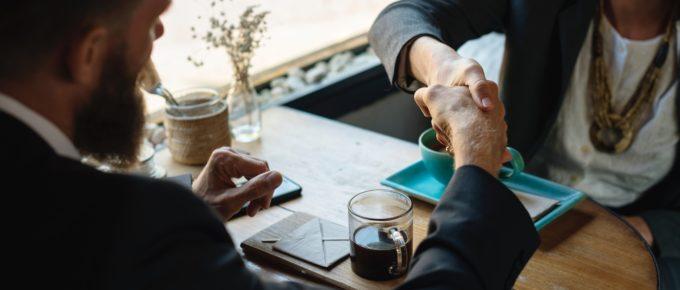 Técnicas de persuasão com o cliente: como adotar essa estratégia?